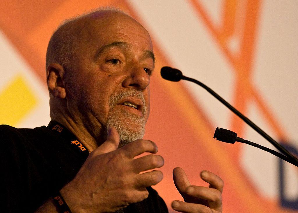 Paulo Coelho. Autor nrkbeta, sursă Paulo Coelho, Wikipedia.