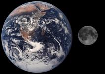 Moon_Earth_Comparison
